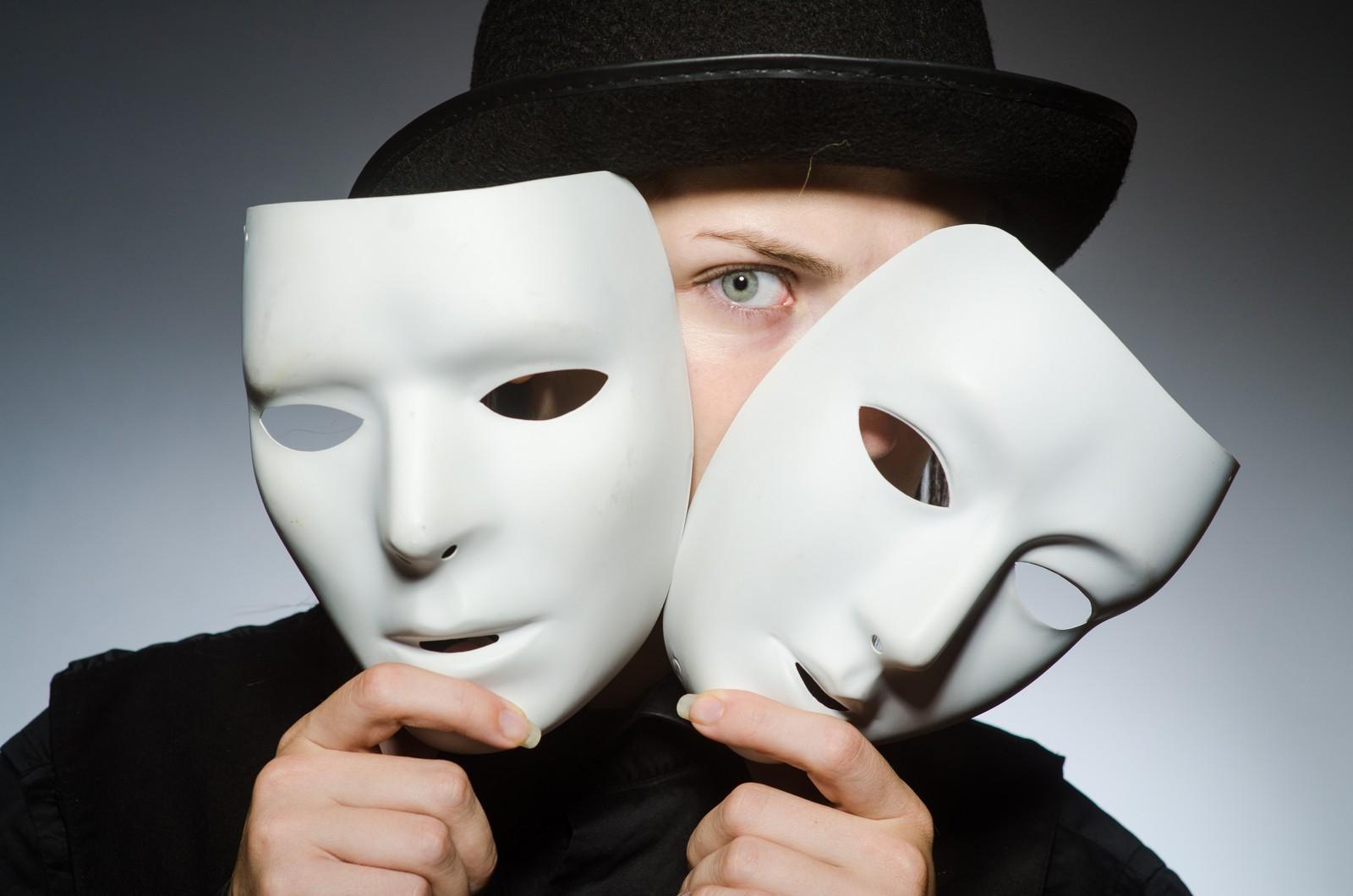 Falsche Identität: Überweisungsbetrug mit gefälschter Unterschrift fällt in Banken nicht auf.