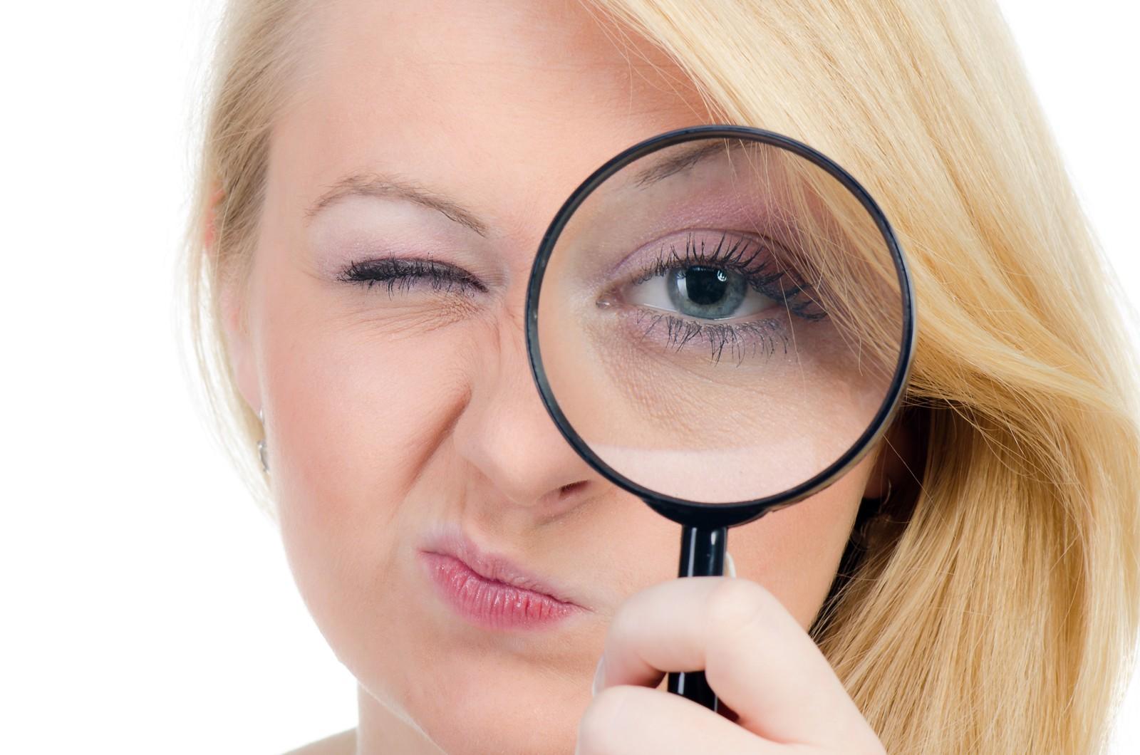 Viele Geräte, die Nutzer in der Öffentlichkeit geschäftlich verwenden, sind nicht vor neugierigen Blicken geschützt.