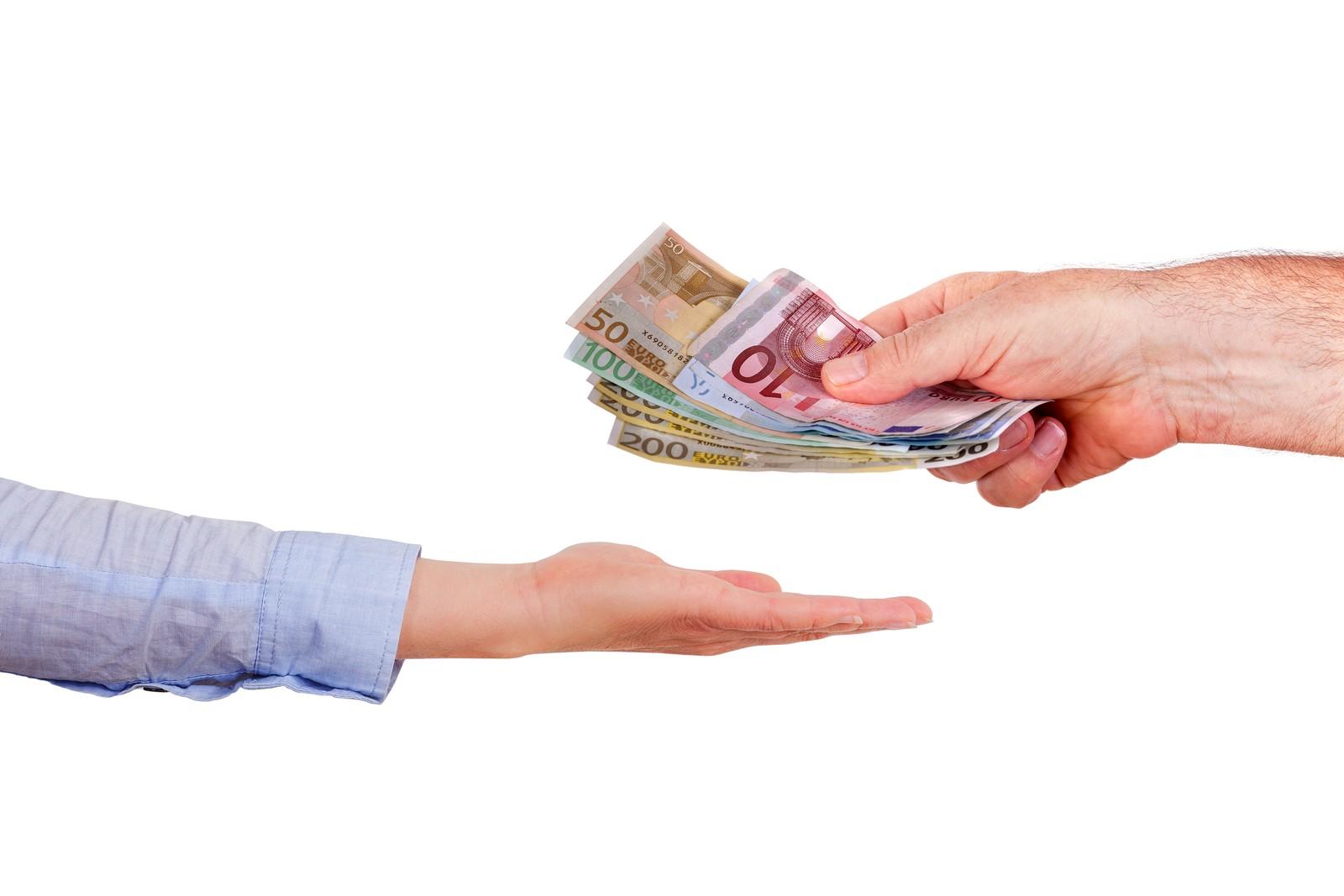 Ein Gericht erklärt in einem Fall den Werkvertrag für nichtig, weil auf der Quittung keine Mehrwertsteuer ausgewiesen war.