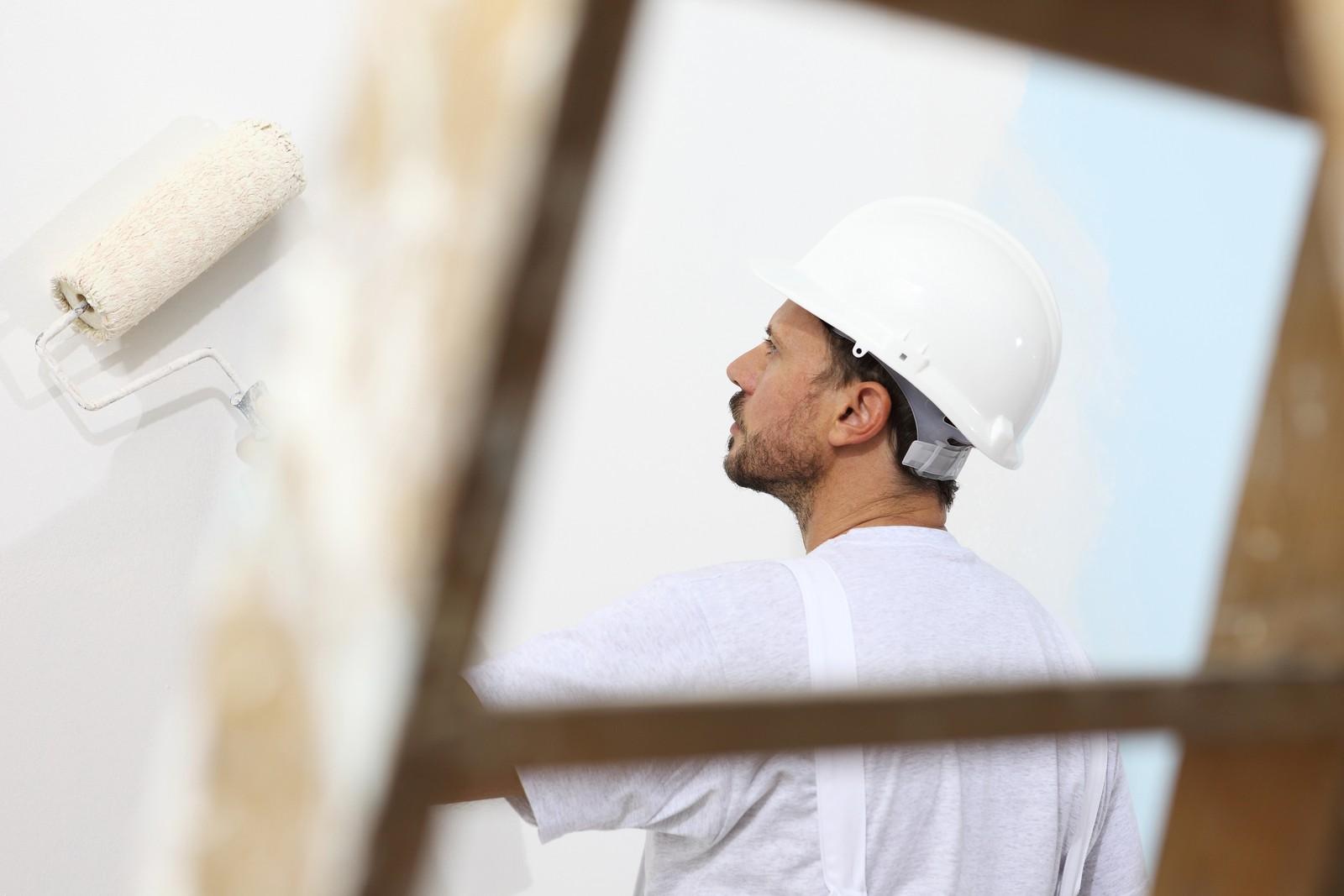 Weil oft keine externen Handwerker verfügbar sind, wollen städtische Unternehmen in Hamburg Handwerksleistungen mit eigenen Teams ausführen.