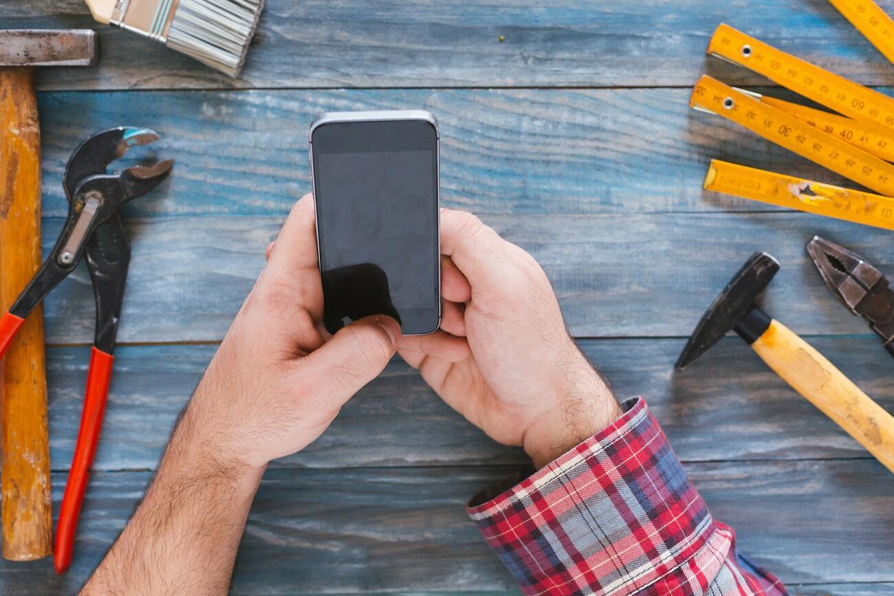 Handwerker berichten: Darum nutzen wir digitale Zeiterfassung!