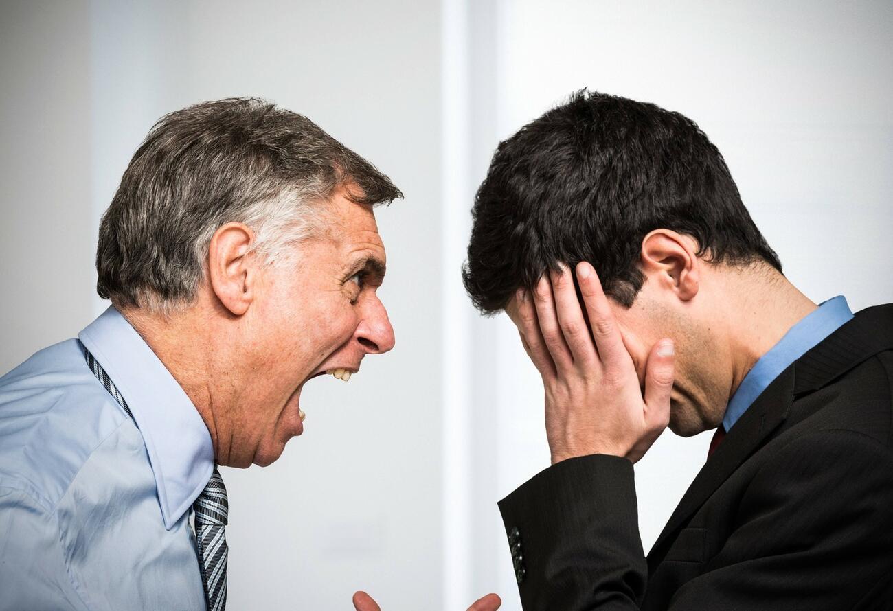 Umfrage: Unfairer Chef macht Mitarbeiter krank